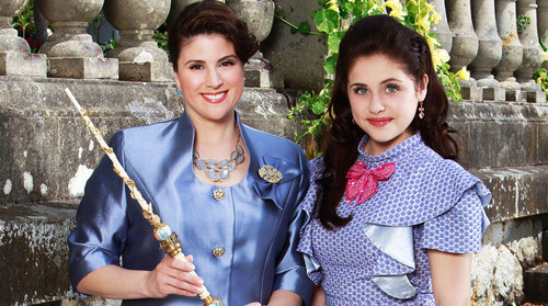 Disney fond d'écran called Disney's Descendants' Fairy godmother and her Daughter: Jane