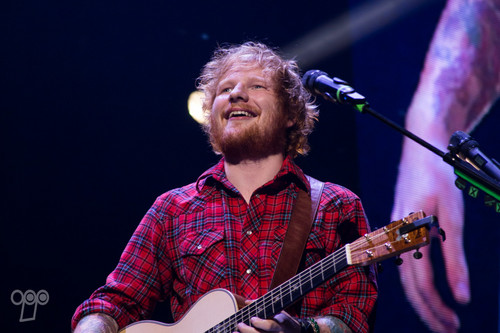 Ed Sheeran wallpaper containing a guitarist and a concert titled Ed Sheeran