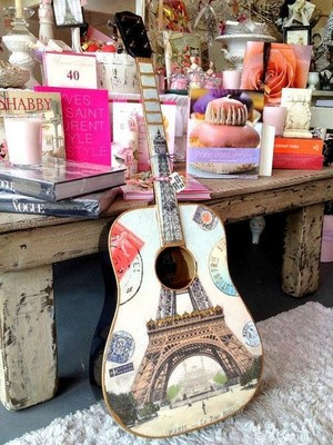 Effiel tower guitar, gitaa
