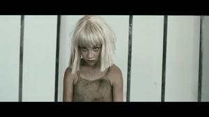 Elastic herz {Music Video}