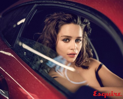 Emilia Clarke fond d'écran entitled Emilia Clarke at Esquire Photoshot