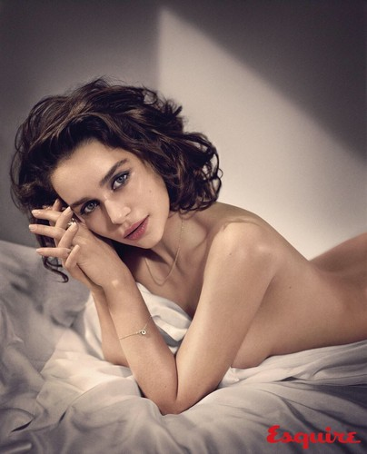 Emilia Clarke achtergrond with skin called Emilia.