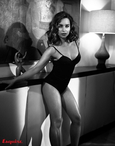 Emilia Clarke fond d'écran containing a leotard and a maillot called Emilia.