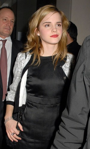 Emma at Chanel Pre-Fall cena