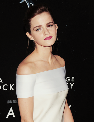 Emma at  'Gravity' premiere at AMC Lincoln Square Theater