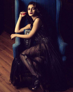 Gorgeous Alia Bhatt in Photoshoot