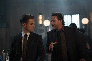 Gotham - Episode 2.06 - দ্বারা আগুন