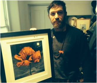 Tom Hardy fond d'écran probably containing a sign entitled International renowned actor Tom Hardy has a Limited Edition print of 'Remembrance'