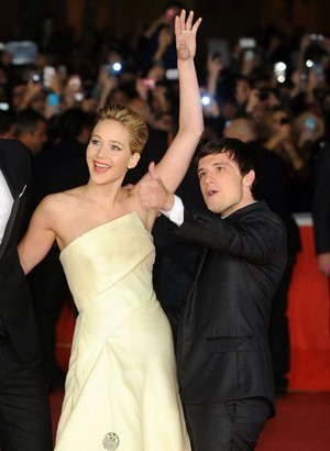 Josh and Jennifer red carpet