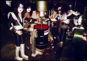 KISS ~Borden Chemical Company Depew, New York....May 25, 1977