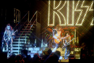 KISS ~Inglewood, California…August 26, 1977 (Love Gun Tour -The Forum)