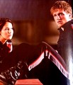 Katniss - peeta-mellark-and-katniss-everdeen photo