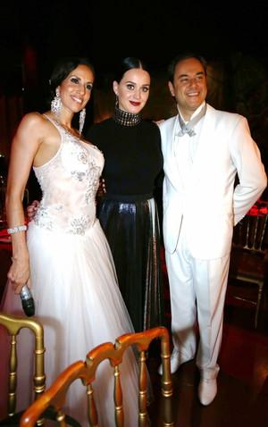 Katy at Rojo Tango hiển thị