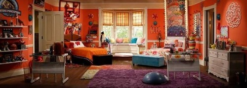 Liv and Maddie দেওয়ালপত্র possibly with a parlor, a family room, and a living room entitled Liv and Maddie