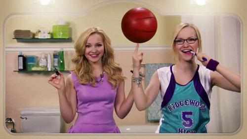 Liv and Maddie fond d'écran possibly with a portrait called Liv and Maddie