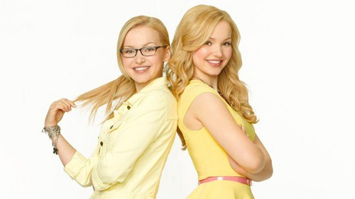 Liv and Maddie fond d'écran possibly with a portrait titled Liv and Maddie