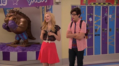 Liv and Maddie fond d'écran probably containing a sign called Liv and Maddie