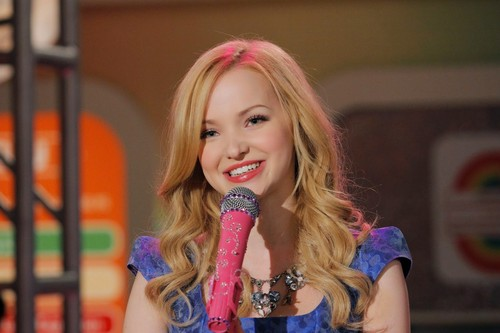 Liv and Maddie achtergrond entitled Liv and Maddie