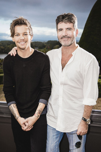 루이 톰린슨 바탕화면 possibly with a leisure wear, an outerwear, and a pantleg, 팬트 레그 entitled Louis at The X Factor ​Judges Houses