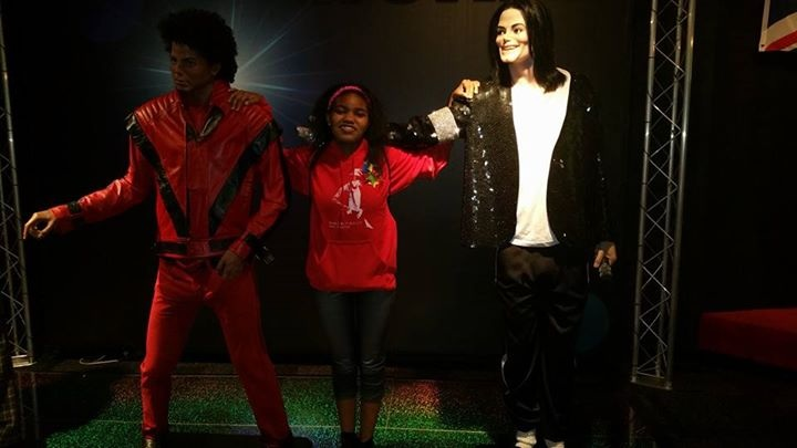 Me with Thriller and billie jean (i guess?) Mike at the Ripley's museum