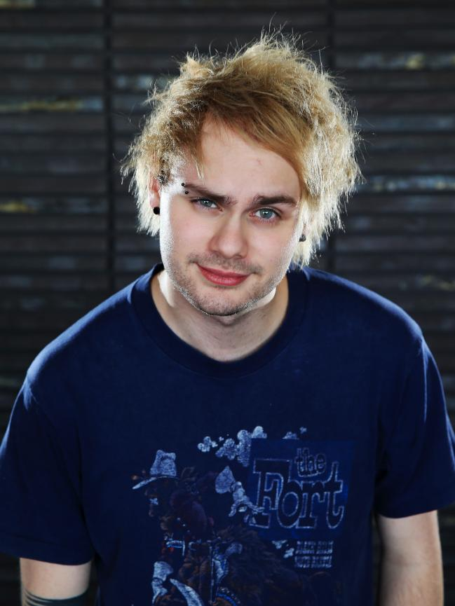 Michael Clifford - 5 Seconds of Summer Photo (38954787 ...