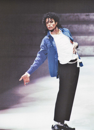 Michael Jackson - HQ Scan - Grammys Peformance'88