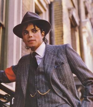 "Michael Jackson - HQ Scan - ""Moonwalker Set"""