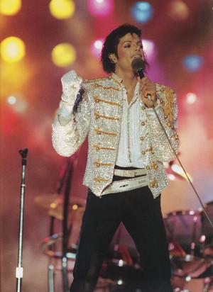 Michael Jackson - HQ Scan - Victory Tour