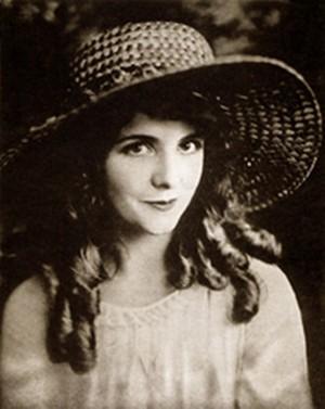 oliva, verde-oliva Thomas (October 20, 1894 – September 10, 1920)