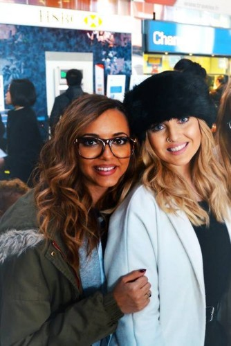 jade thirlwall and perrie edwards 2017 - photo #27