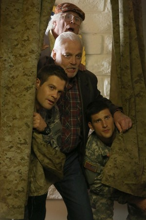 Parker Young as Randy đồi núi, hill in Enlisted