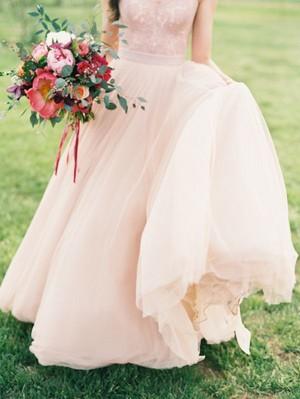đào wedding dress