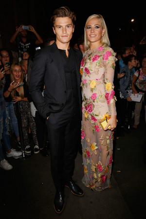 Pixie and Oliver at the amFar gala