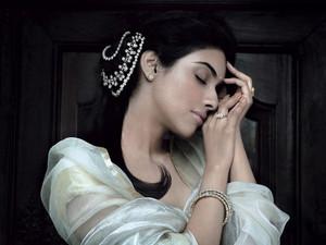 queen Asin