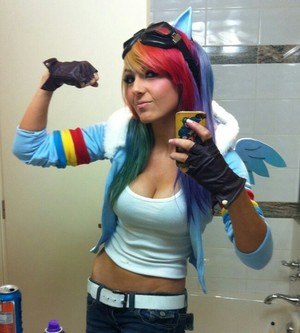 Rainbow Dash Cosplay