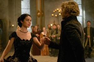 """Reign """"Extreme Measures"""" (3x03) promotional picture"""