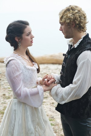 "Reign ""In A Clearing"" (3x05) promotional picture"
