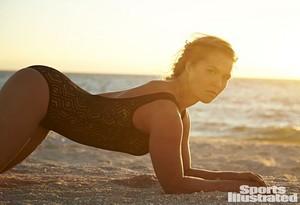 Ronda Rousey - Sports Illustrated roupa de banho, fato de banho Issue Photoshoot - 2015
