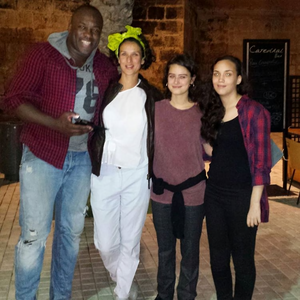 Rosabell Laurenti Sellers and cast mates spain season 6