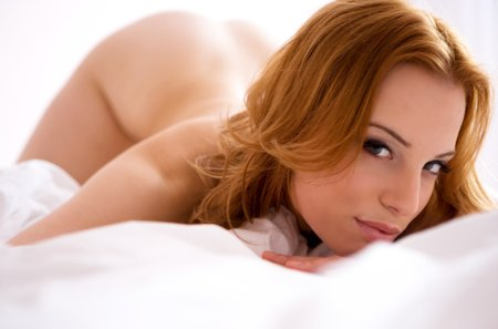 sexo y sexualidad fondo de pantalla containing skin and a portrait called SEXY REDHEAD