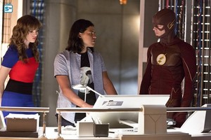 The Flash - Episode 2.03 - Family of Rogues - Promo Pics