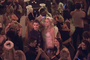 The Vampire Diaries 7.04 ''I Carry Your ハート, 心 With Me''
