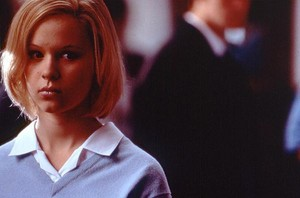 Thora Birch as Liz in The Hole