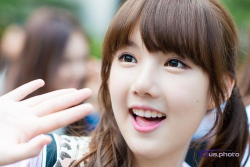 GFriend wallpaper probably containing a portrait called YERIN
