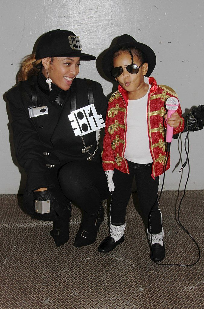 beyone dressed as janet jackson and beyonce's daughter blue ivy dressed as michael jackson