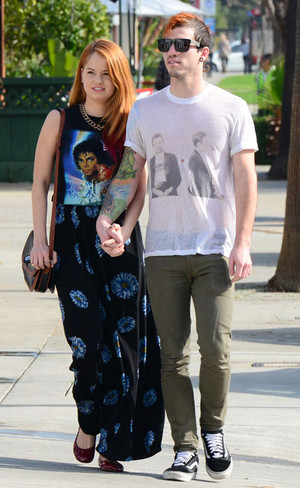 debby ryan got her michael jackson camisa, camiseta on
