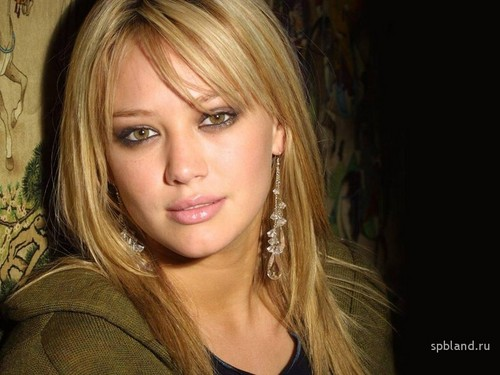 Lizzie McGuire wallpaper containing a portrait entitled hilary duff lizzie mcguire 27189678