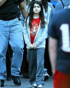 michael jackson's son Blanket Jackson wears a chemise of michael jackson spotted in disneyland