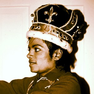 michael jackson the king of pop forever crowned as king