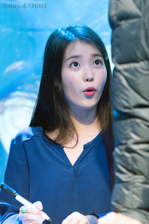 151106 ‪‎IU‬ at 'CHAT-SHIRE' Mini Album fan Meeting